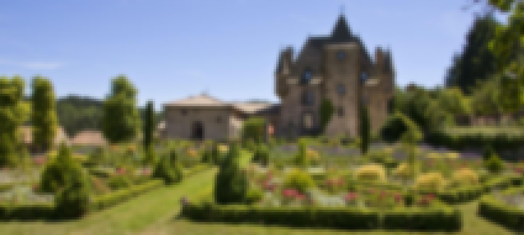 Photo du château de Varillettes dans le Cantal
