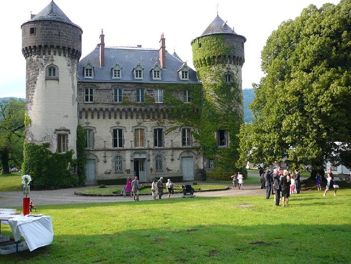 Photo du château de Sédaiges dans le Cantal