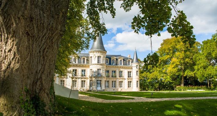 Photo de la façade du Château d'Hardricourt dans le 78