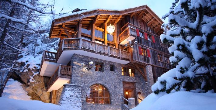 Photo de la façade du chalet Le Rocher à Val d'Isère