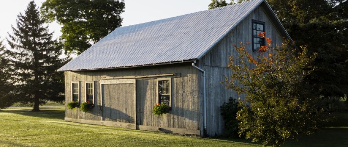 Photo d'une grange à la campagne, proposée à la location en France pour des mariages