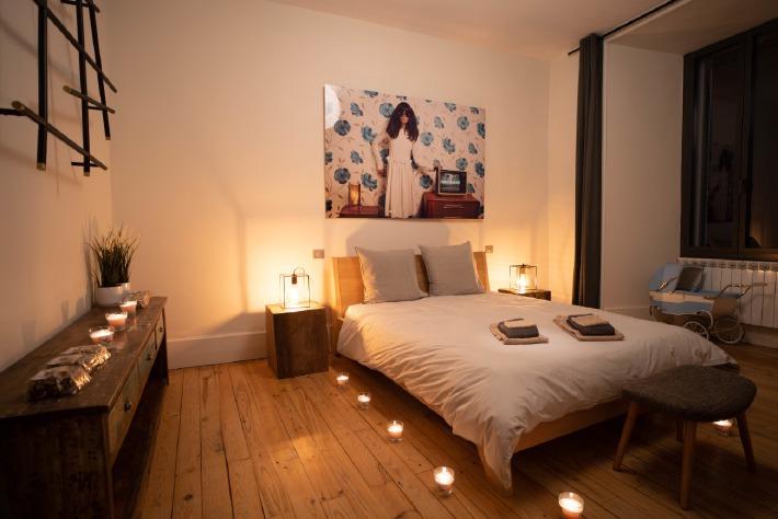 Photo d'une des chambres du gîte du château de Bois Rigaud près de Lyon