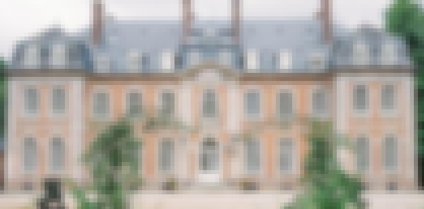 photo de la façade du château de Carsix prise à l'occasion d'un mariage en France