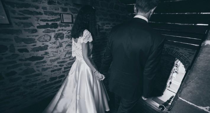 Photo de mariage prise en Auvergne sur un thème chic et décontracté