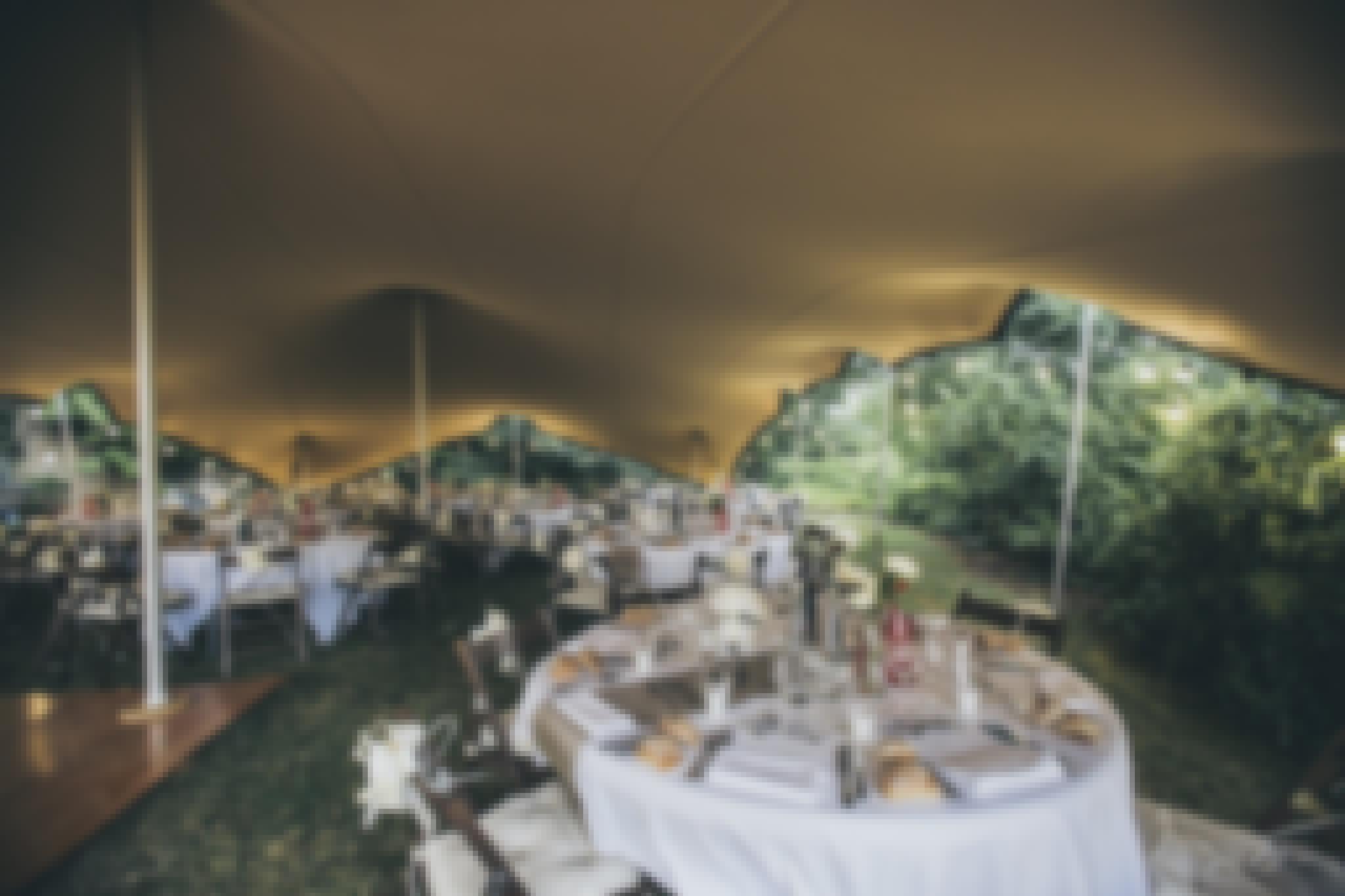 Photo d'une tente stretch en Auvergne