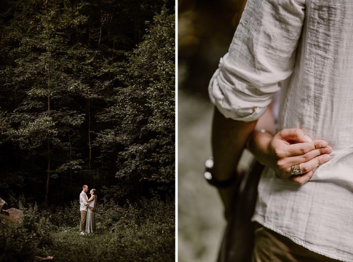Photo d'un couple prise lors d'une séance engagement organisé dans un bois avant un mariage en Auvergne
