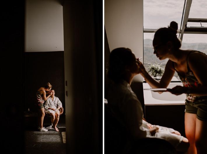 Photo d'une make up artiste en train de maquiller une mariée le jour d'un mariage en Auvergne