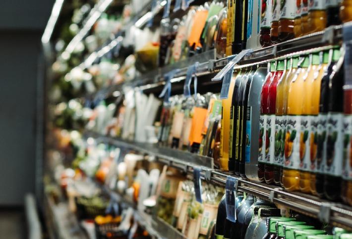 Photo des rayons d'un supermarché