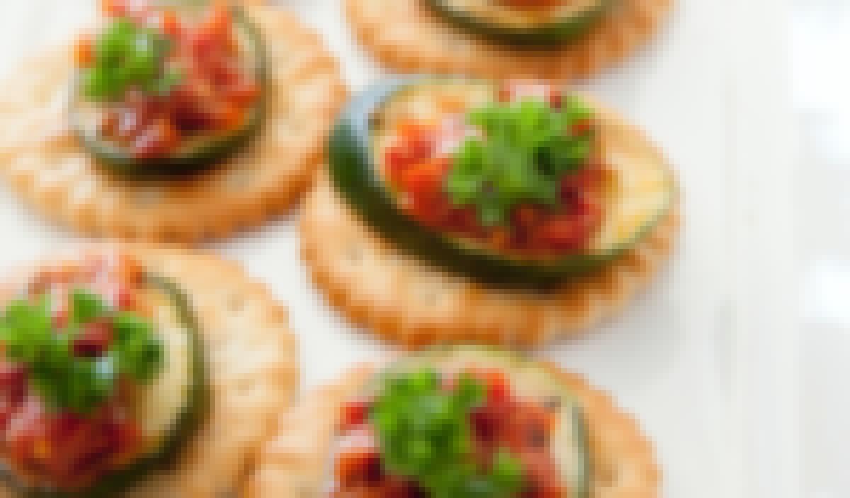 Photo de petits fours préparés pour le lendemain de la fête d'un mariage autour d'un brunch