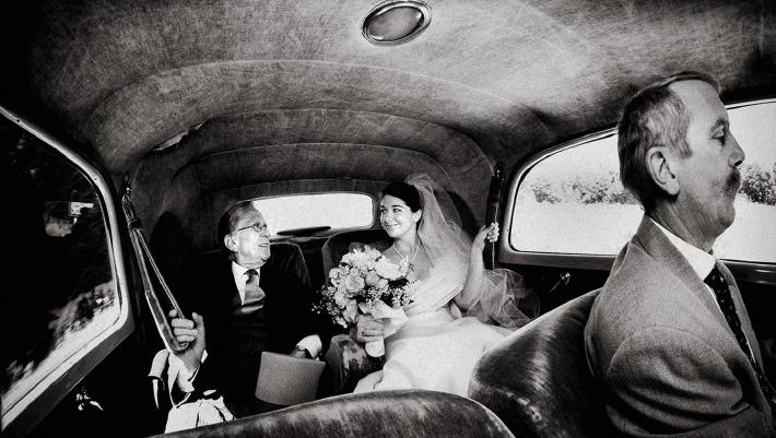 Photo d'un couple de mariés lors de leur mariage prise par Léonard Cohade