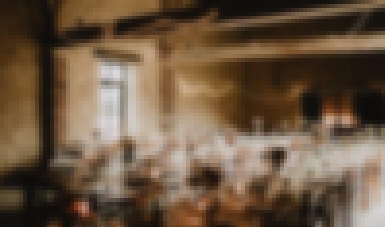 Photo de tables de mariages rustiques au domaine de Ronsard