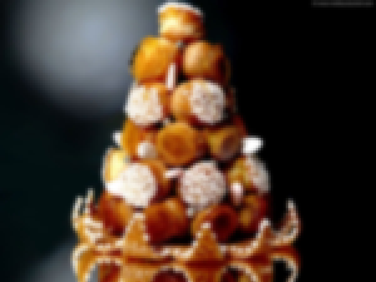 Photo d'un gâteau pièce montée de mariage préparé dans le Puy-de-Dôme pour un mariage