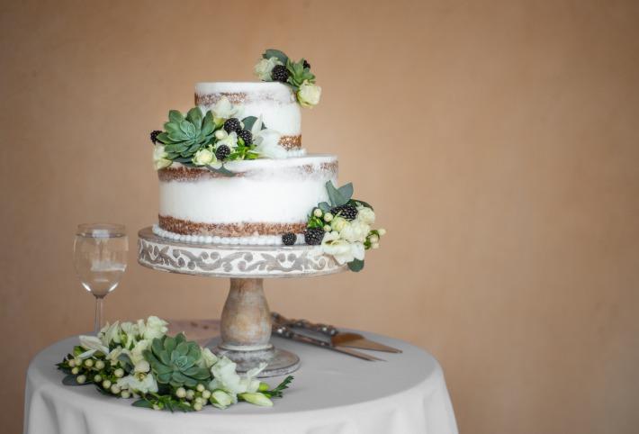 Photo d'un wedding cake préparé pour un mariage par un cake designer dans le Puy-de-Dôme à Clermont-Ferrand