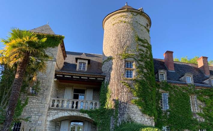 View of the wedding Château du Raysse in the Dordogne Valley in France