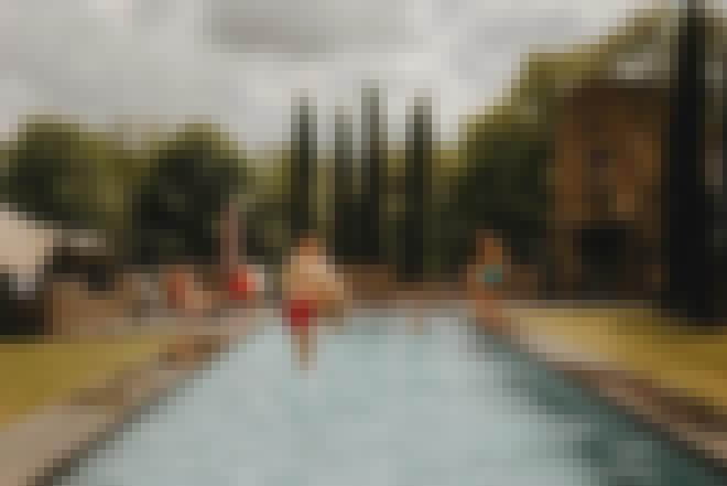Gîte de groupe 20 personnes avec piscine en Auvergne