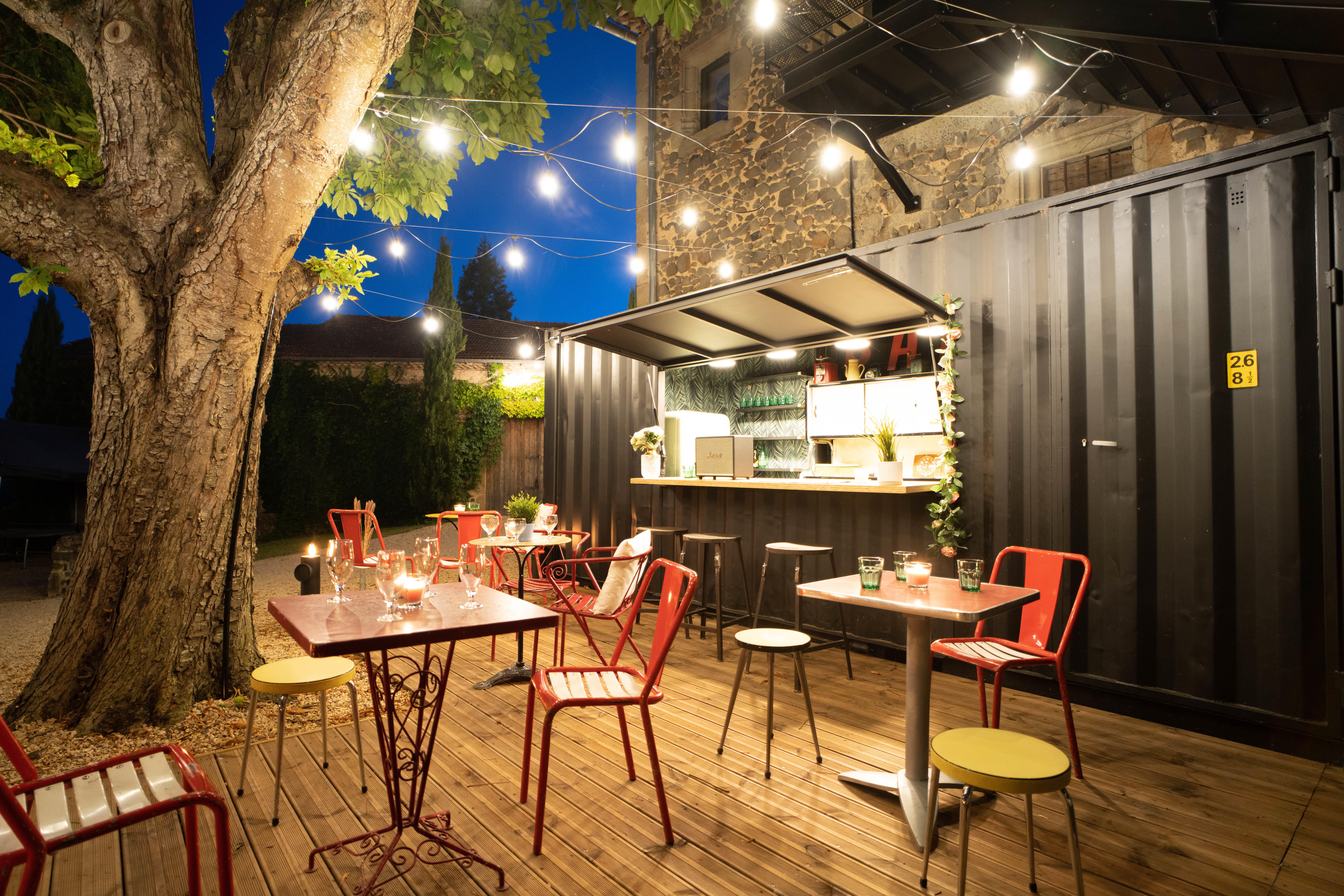 Photo du bar à cocktails du château de Bois Rigaud près de Clermont-Ferrand