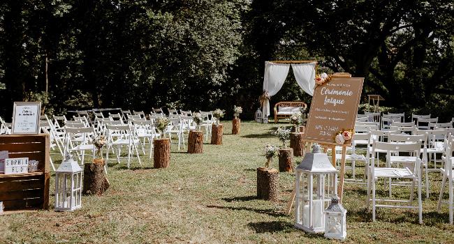 Cérémonie laïque de mariage au Château de Bois Rigaud en Auvergne.