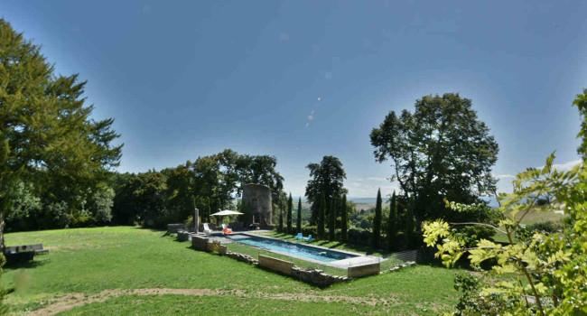 Photo de la piscine chauffée du Château de Bois Rigaud